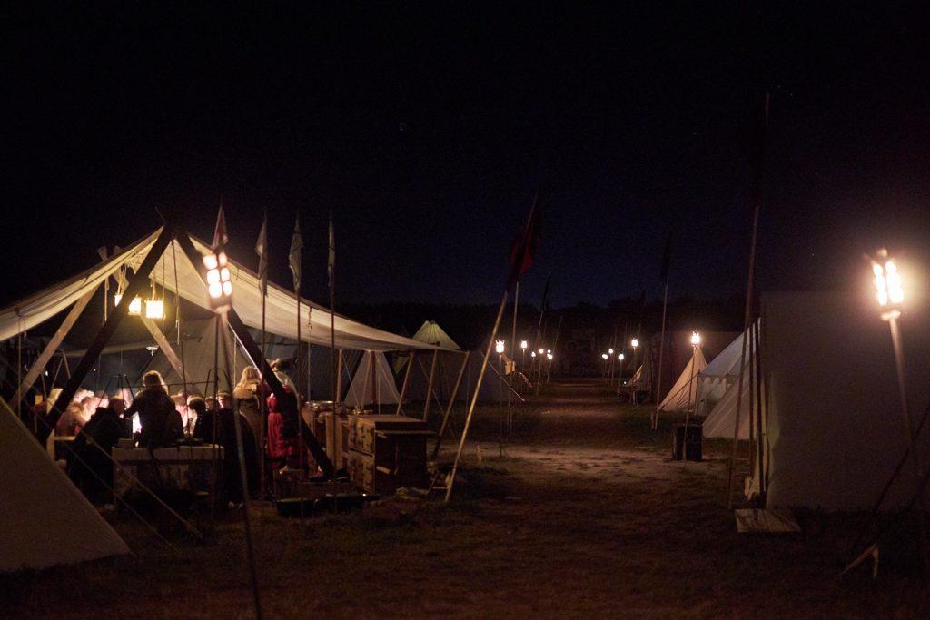 En bild på medeltida läger under Medeltidsveckan i Visby 2019.